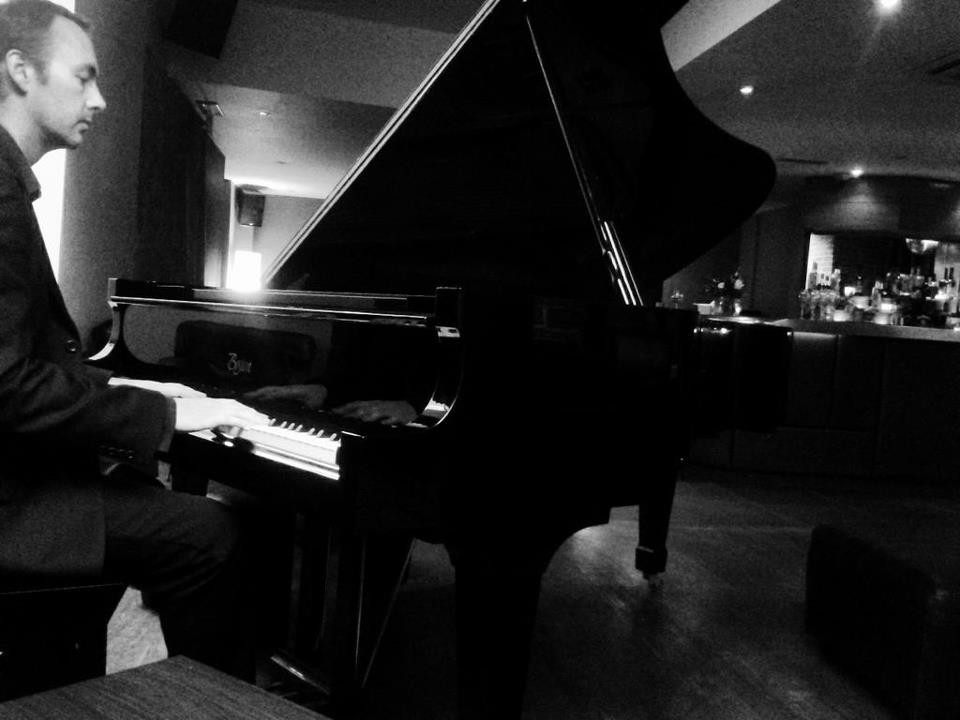 wedding venue hope st hotel liverpool residents lounge pianist