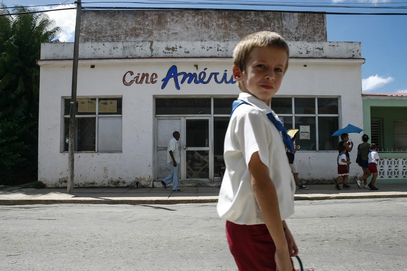Cine América III
