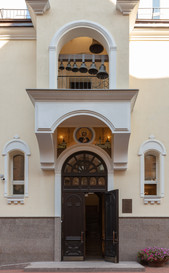 Фасад храма с колокольней