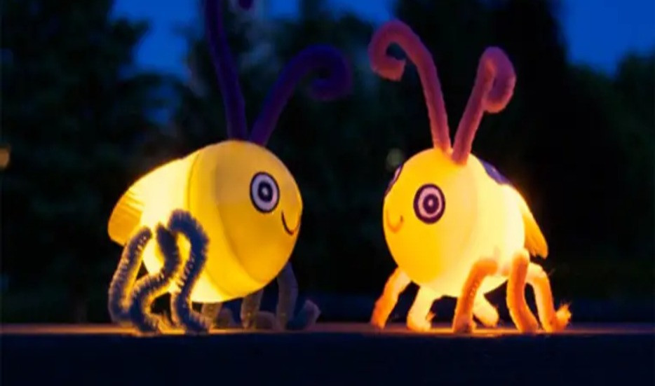 Light up fireflies from Apartment Therapy
