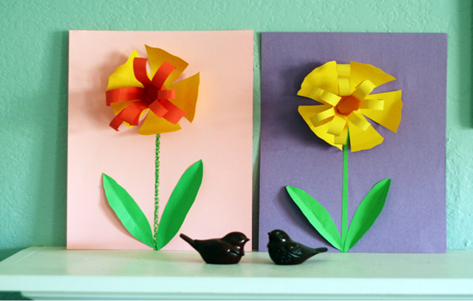 Pretty paper daffodils from Make and Takes