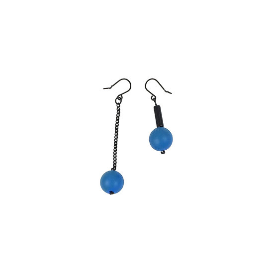 SCENERY LABEL Drop Earrings Blue Ball Mismatch