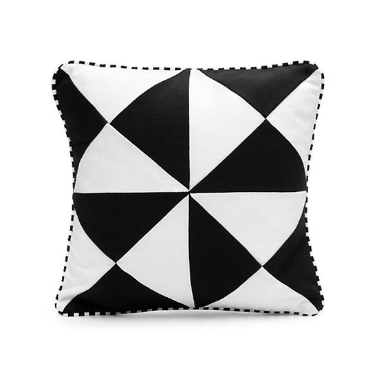 SCENERY LABEL Patchwork Cushion Triangles
