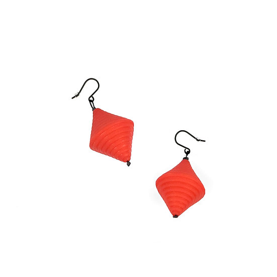 SCENERY LABEL Drop Earrings Red Bicone
