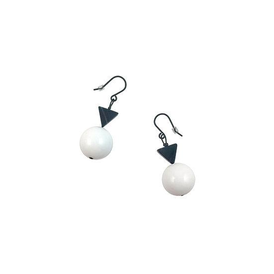 SCENERY LABEL Drop Earrings White Baubles