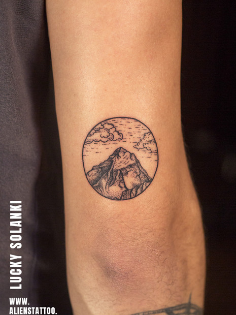Traveller-tattoo-mountain-tattoo.jpg