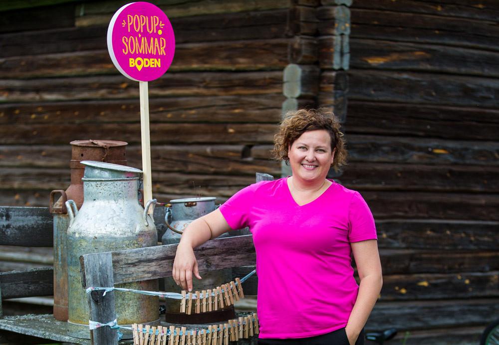 Linnéa Byberg, eventproducent på Bodens kommun, tycker det fina med Popupsommar är att så många föreningar, organisationer och företag samlas inom konceptet för att visa hur mycket som händer i Boden under sommaren.