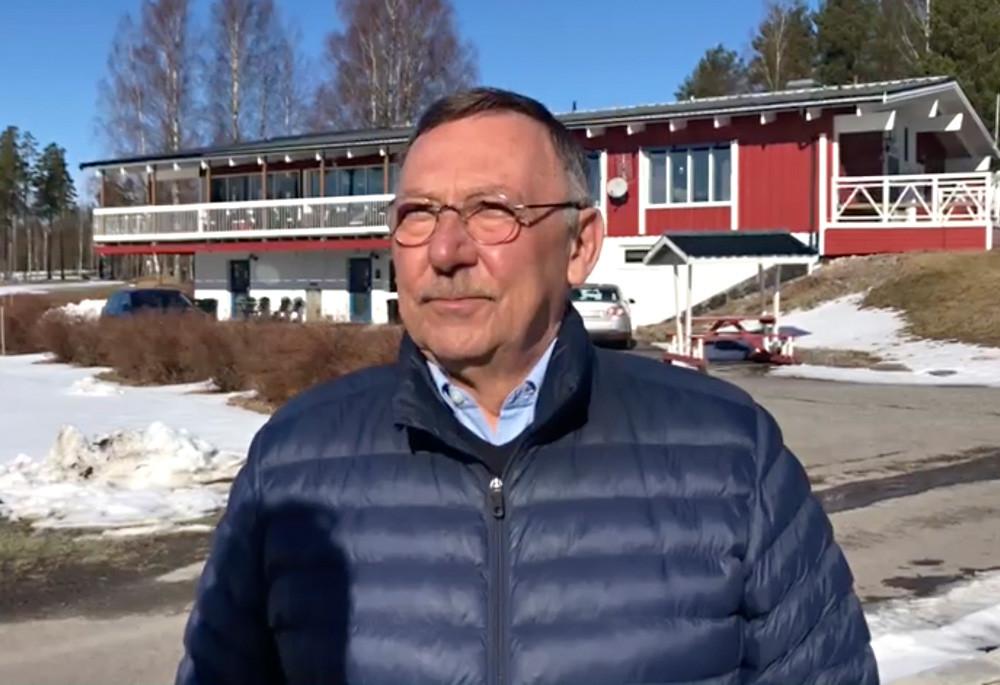 Lars Hultkrantz, föreningen Integration Kil, berättar om samarbetet med Kils golfklubb om att hjälpa nyanlända att komma in bättre i det svenska samhället genom projektet Golf för nya vänner.
