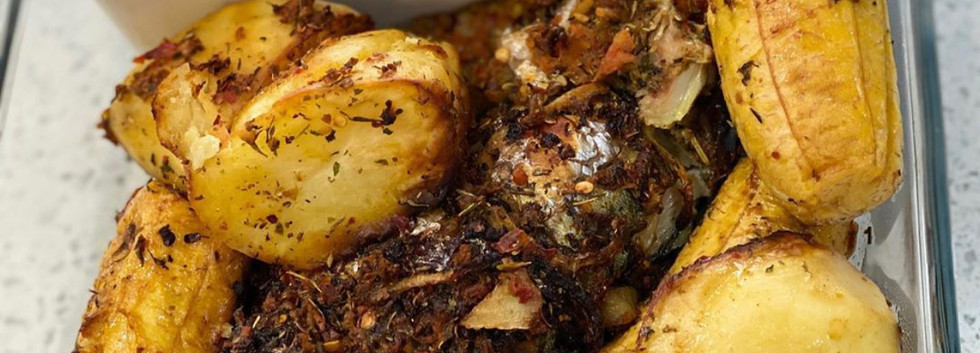 Grilled Fish with potatoes and plantain