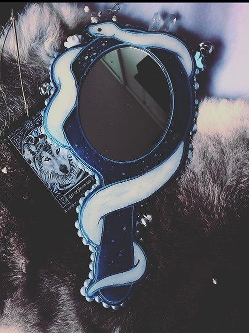 Skadii's Handheld Mirror