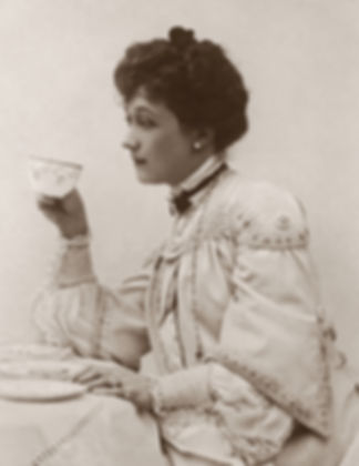 classic-photo-of-a-woman-holding-a-tea-c