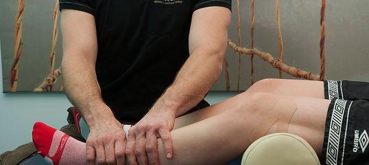 massage sportif, massage tissus profonds, périostite, douleur au genou, massage thérapeutique Montréal, traitement et soilagement douleur aux pieds
