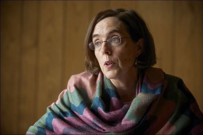 The Land of Kate Update: The Real Failure Of The Solo Power Debacle Is Kate Brown