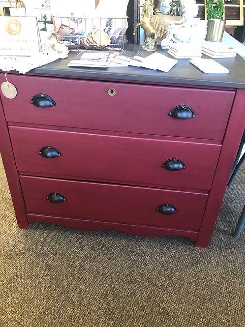 Red antiqued 3 drawer Dresser F-522
