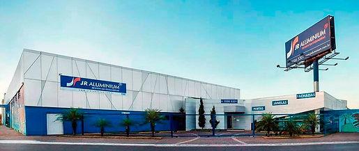 JR Aluminium Design em Esquadrias. Esquadrias de Alumínio, portas e janelas de alumínio, fachadas em acm, casas, arquitetura, arquitetos, design, designer, alumínio, interiores, engenharia