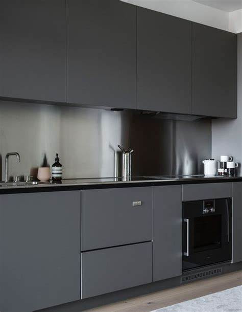 Prime Gris Brillo Kitchen3.jpg