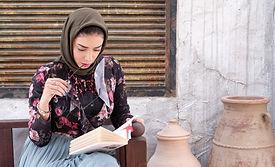 abaya-book-girl-1223345.jpg