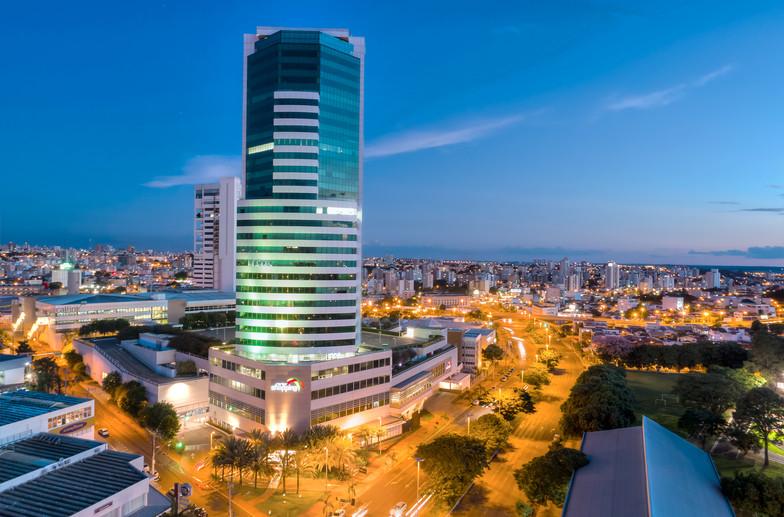 Imagem aérea de edifício UBT.