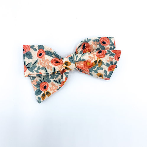 $5 Quincey Bow #87