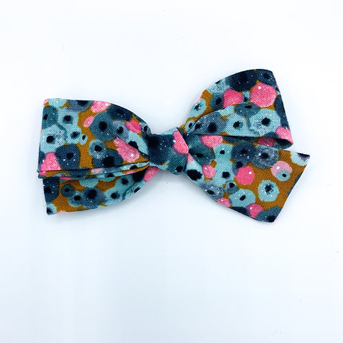 $5 Quincey Bow #16