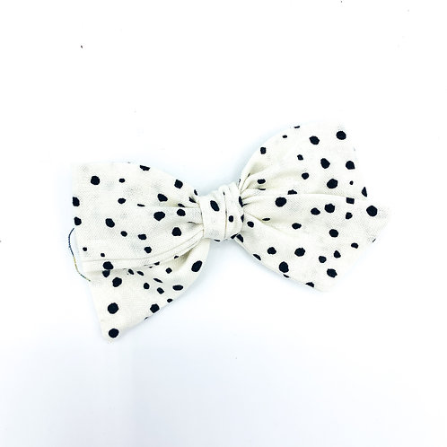 Cream Dotted Quincey