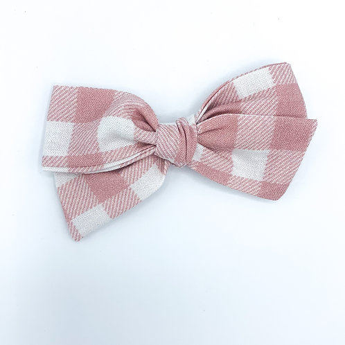 $5 Quincey Bow #161