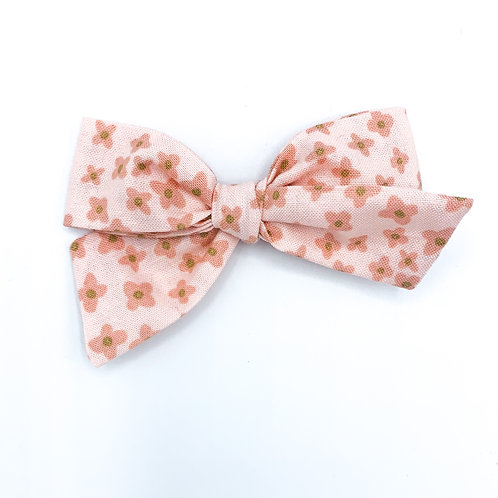 $5 Quincey Bow #24
