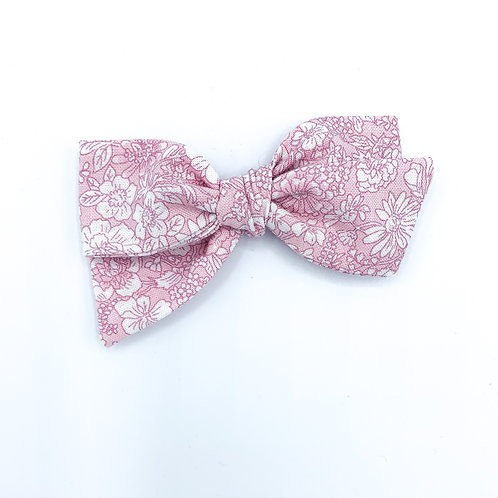 $5 Quincey Bow #32