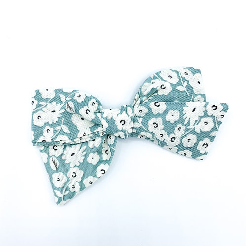 $5 Quincey Bow #53