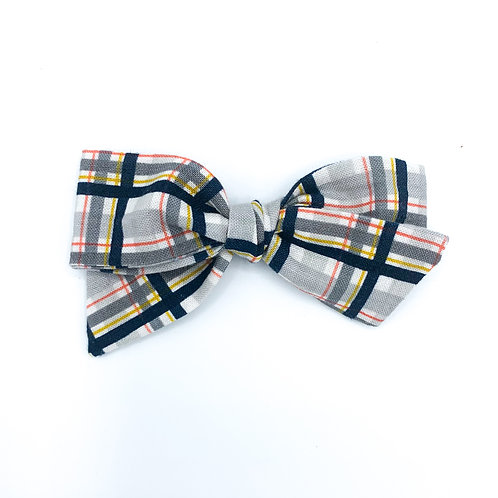 $5 Quincey Bow #35