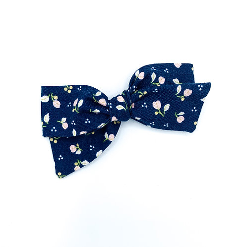 $5 Quincey Bow #36