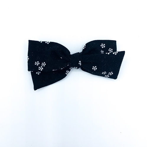 $5 Quincey Bow #11