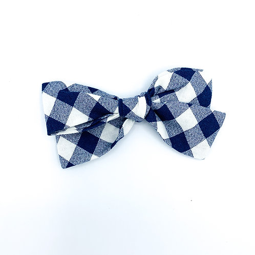 $5 Quincey Bow #144
