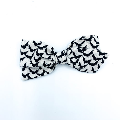$5 Quincey Bow #175