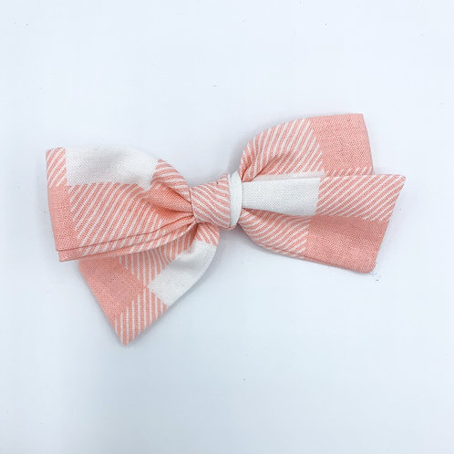 $5 Quincey Bow #149