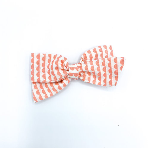 $5 Quincey Bow #133
