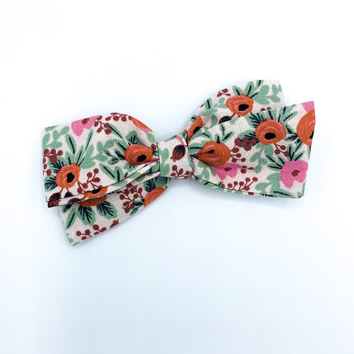 $5 Quincey Bow #31