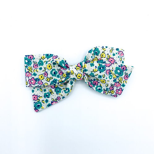 $5 Quincey Bow #34