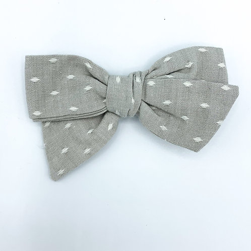 $5 Quincey Bow #139