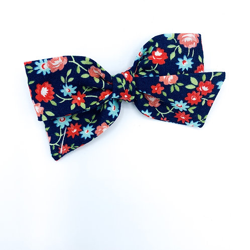 $5 Quincey Bow #19