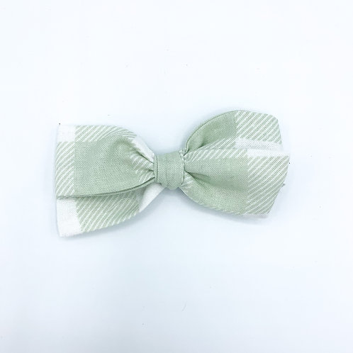 $5 Quincey Bow #151