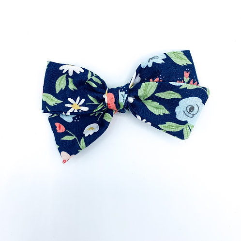 $5 Quincey Bow #45