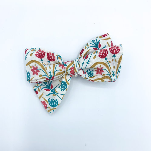$5 Quincey Bow #90