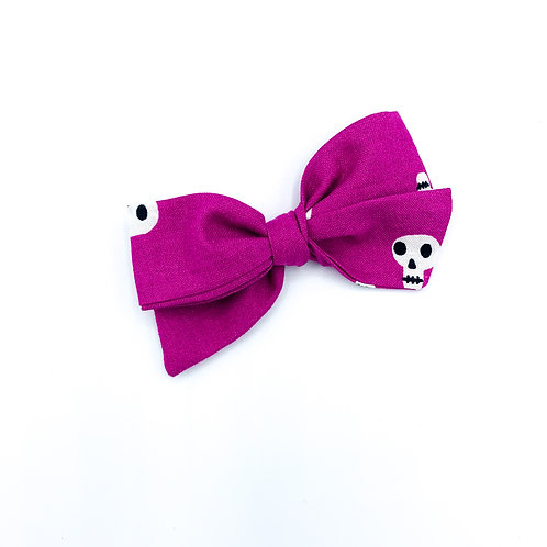 $5 Quincey Bow #189