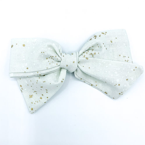 $5 Quincey Bow #113