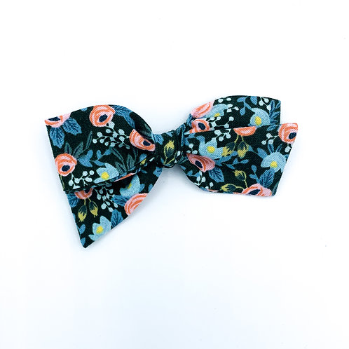 $5 Quincey Bow #17