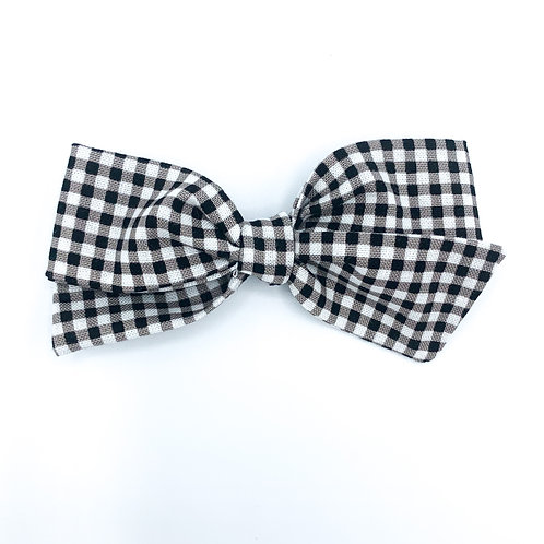 $5 Quincey Bow #156