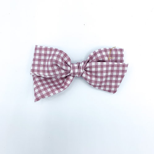 $5 Quincey Bow #143