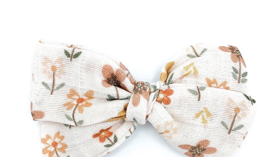 Meadow Floral Gauze Bow