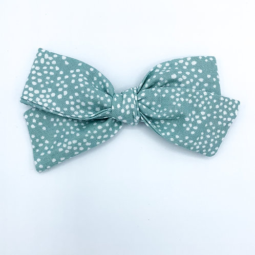$5 Quincey Bow #121